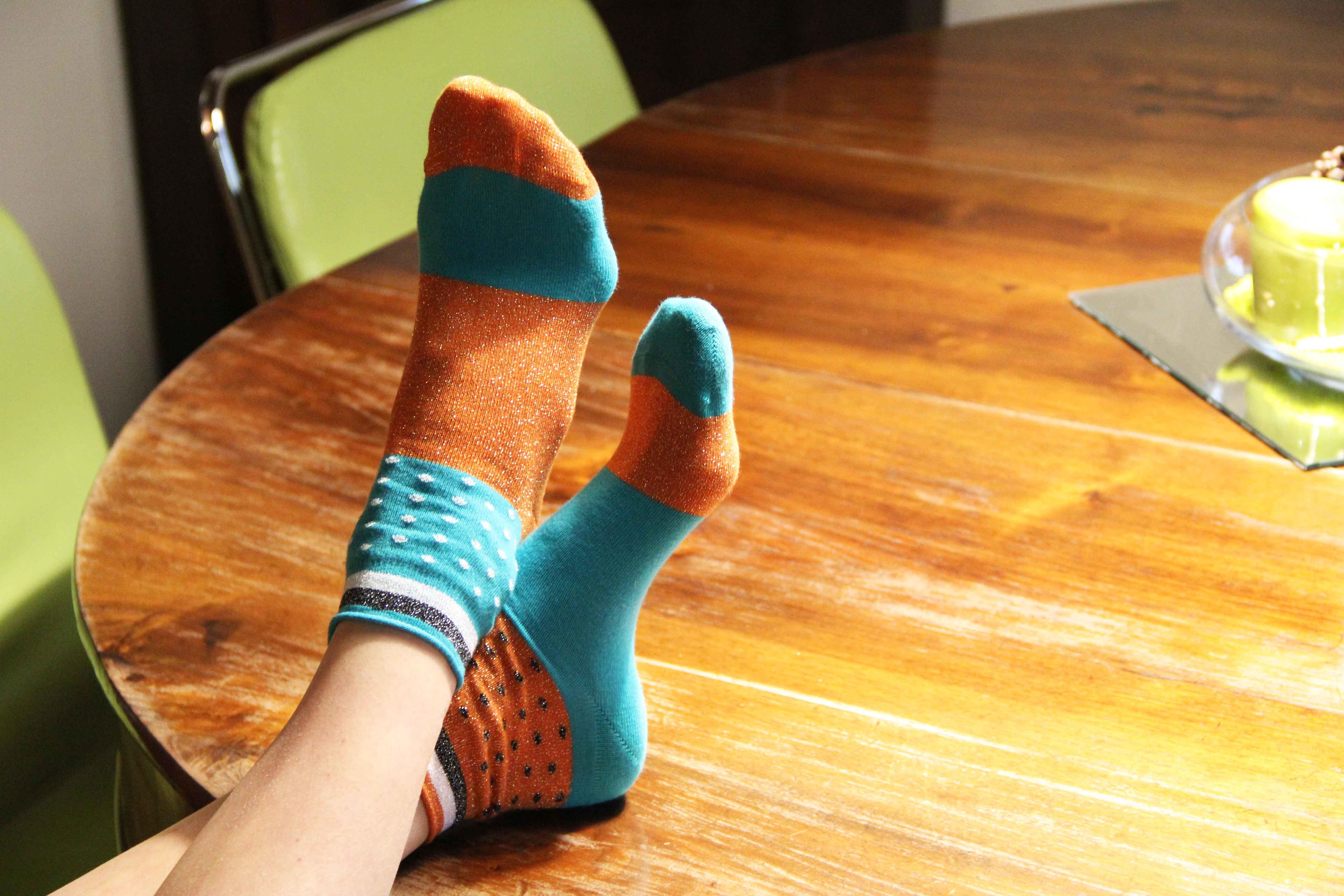 Calze estive: colori e glitter con Uno Socks